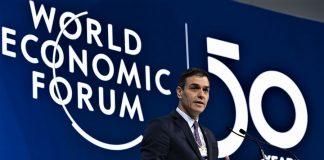 Como si no fuese con él el desastre que se avecina, Sánchez ha marginado al rey y se ha ido a Davos a darse pisto. RTVE