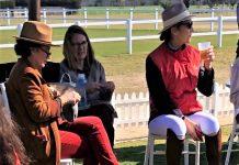 A la derecha, la infanta y, de perfil, en primer plano, la escudera Rita, en el Real Club Pineda. PROPRONews