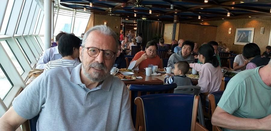 Comiendo a bordo rodeado de chinos. PROPRONews