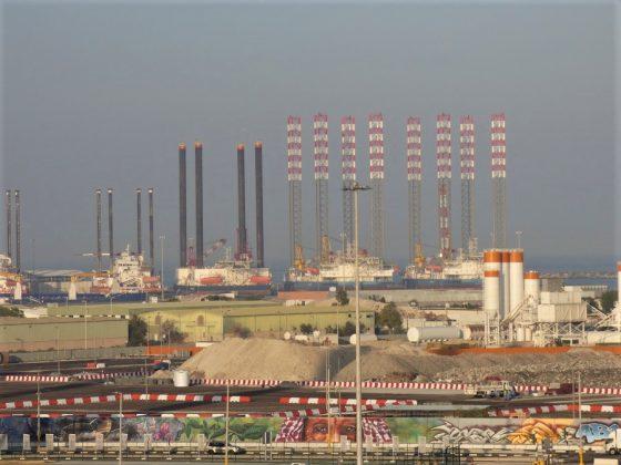 Instalaciones petrolíferas en Abu Dhabi. J.M. PAGADOR