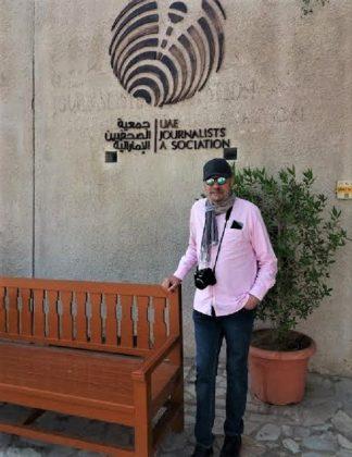 El autor, en la Asociación de la Prensa de Emiratos. PROPRONews
