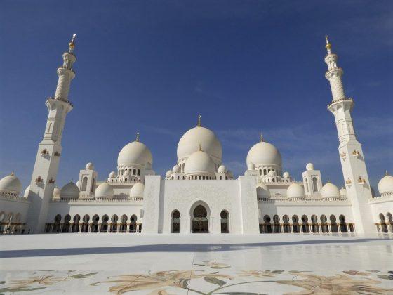 La gran mezquita de Abu Dhabi. J.M. PAGADOR