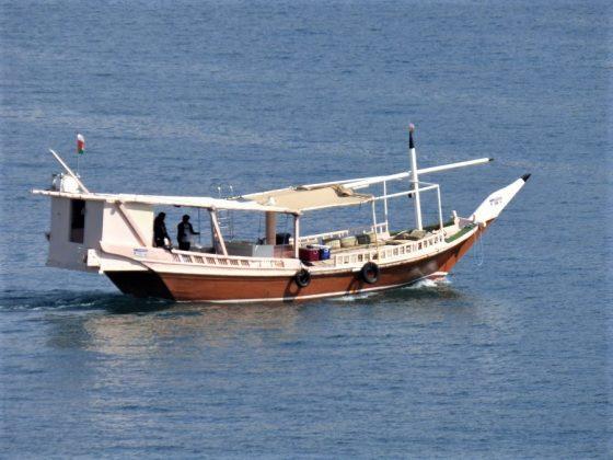 Un dhow, típica embarcación árabe de pesca, faenando en el Golfo Pérsico. J.M. PAGADOR