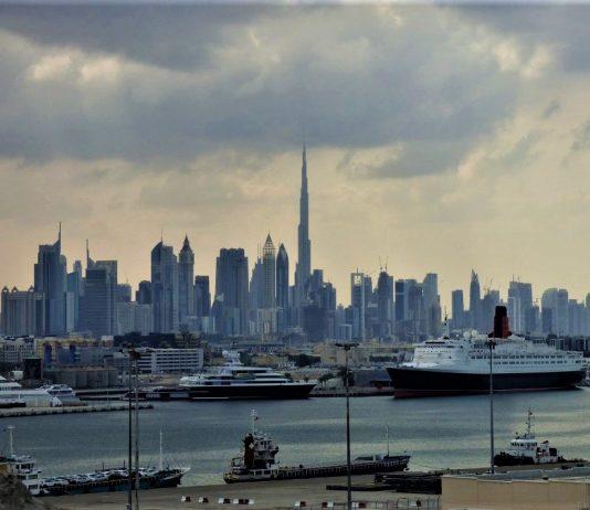 Nubarrones sobre el Pérsico. En la imagen, el skyline de Dubai. J.M. PAGADOR