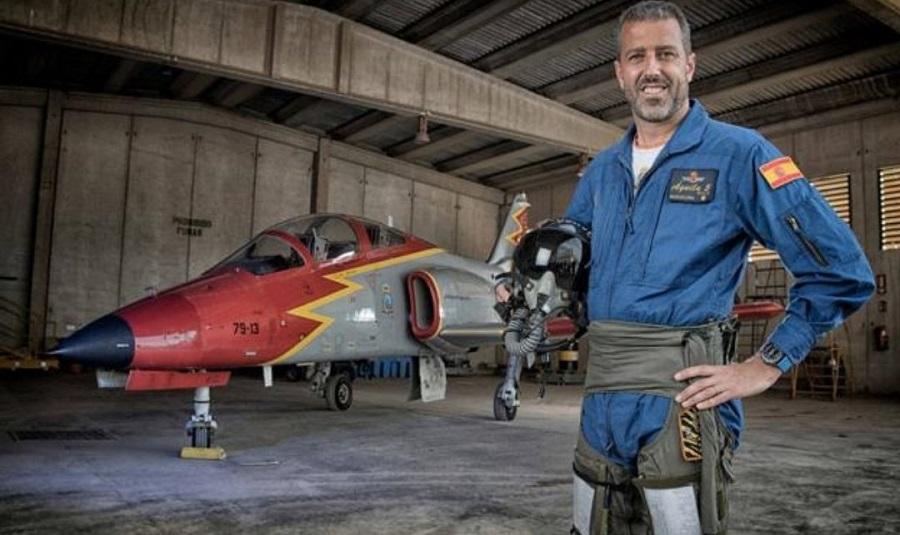 Eduardo Fermín Garvalena, el último piloto fallecido al estrellarse su avión C-101. AGA