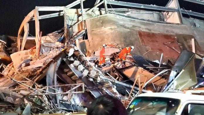 Hotel de cuarentena chino que se derrumbó atrapando a sus ocupantes y matando a algunos que quizás habrían sobrevivido al virus. RTVE