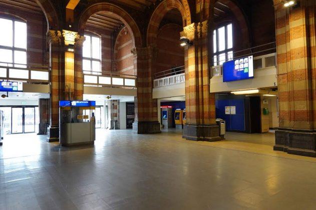 La Estación Central. CHEMA BUENECHEA