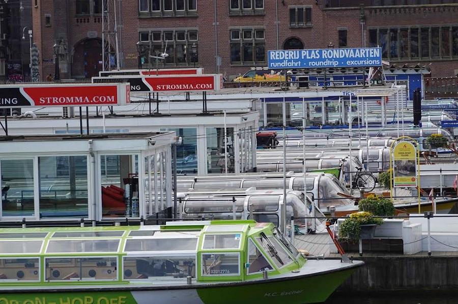 Los barcos turísticos y los botes privados no pueden circular por los canales. CHEMA BUENECHEA