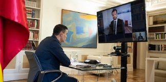 Pedro Sánchez y Pablo Casado, hablando por videoconferencia. RTVE