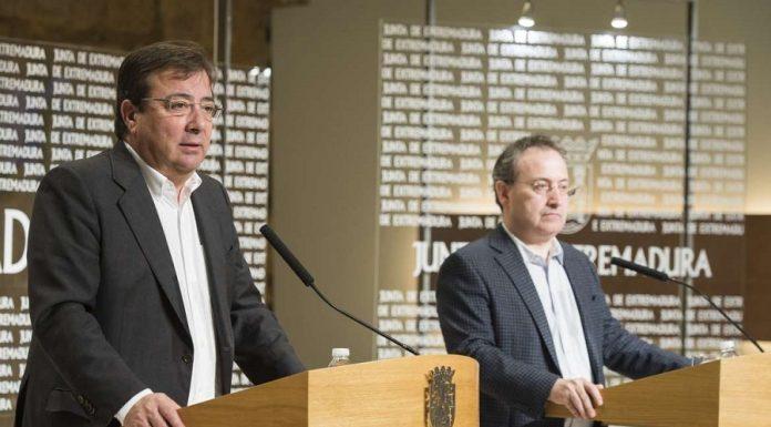 Fernández Vara y Jesús Cimarro. La Junta de Extremadura adjudicó a dedo al segundo el Festival de 2020, ahora en el aire. JUNTAEX