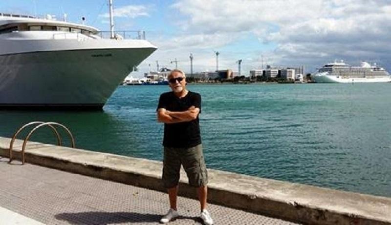 Villafaina solo pudo dar un paseo el primer día por la bahía de Brickell, en Miami.