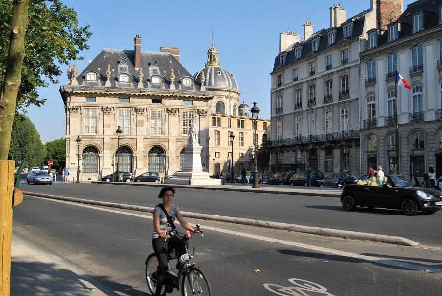 Aire limpio, peatones y ciclistas, una prioridad para la alcaldesa. J.M. PAGADOR