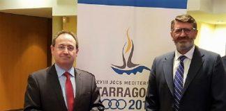 Cimarro, con el gerente del Consorcio, que ahora le ha abierto la puerta definitiva al nuevo contrato. JUNTAEX