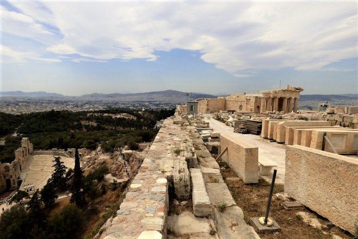 Grecia creó la figura del mentor. Atenas vista desde la Acrópolis. J.M. PAGADOR