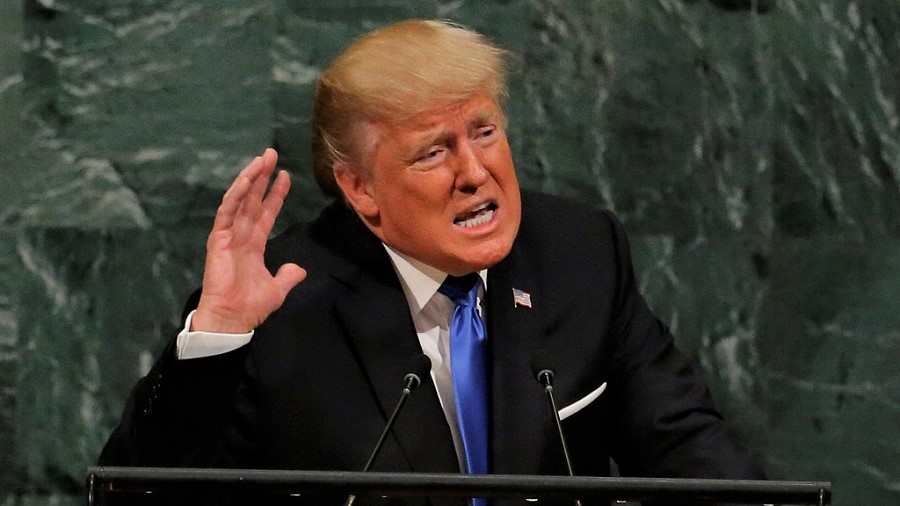 Ni el hombre más poderoso del mundo puede nada contra la pandemia. Todo lo contrario, la agrava. RTVE