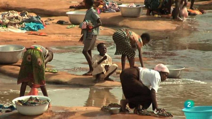 La escasez y la mala calidad del agua es otro problema grave. RTVE