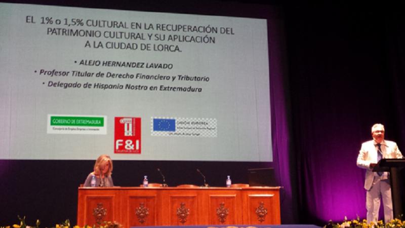 Participando en un congreso en Lorca para la recuperación de su patrimonio cultural tras el terremoto.