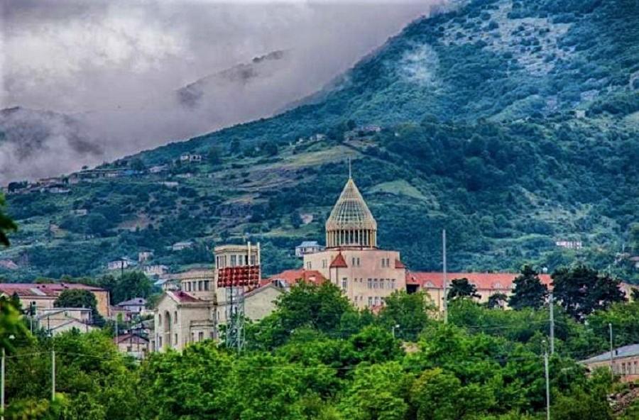 Vista parcial de Stepanakert, la capital de Nagorno Karabaj.