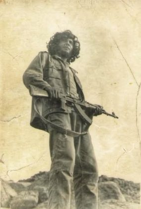 El padre de Hadrami, en el Sáhara en los años 70.