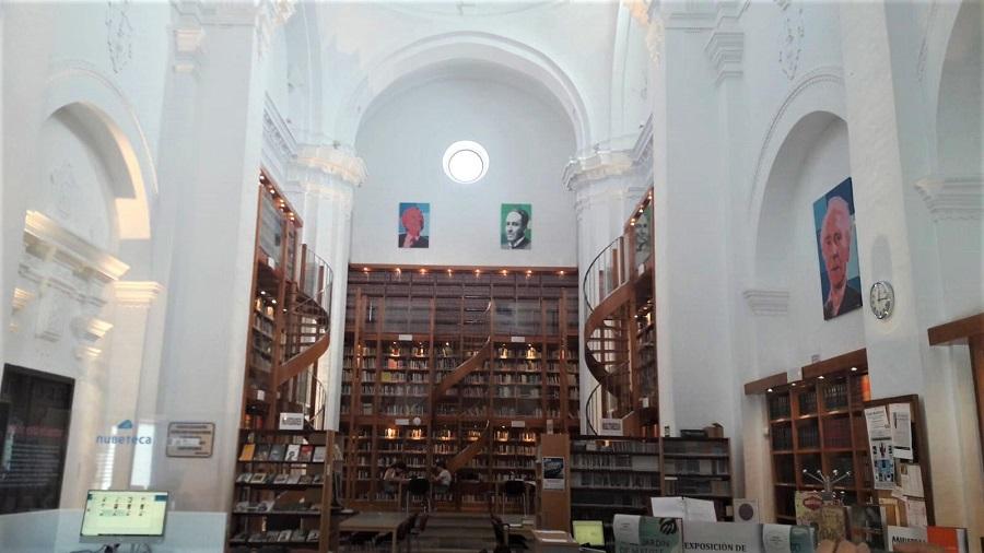 Biblioteca Pública en la capilla del antiguo Hospital de San Juan de Dios en Llerena (Badajoz). A. HERNÁNDEZ LAVADO