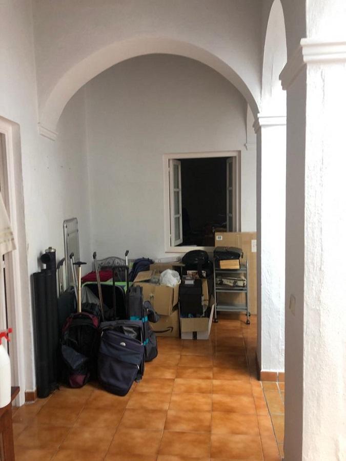 El cura está a la espera y con el equipaje hecho. PROPRONews