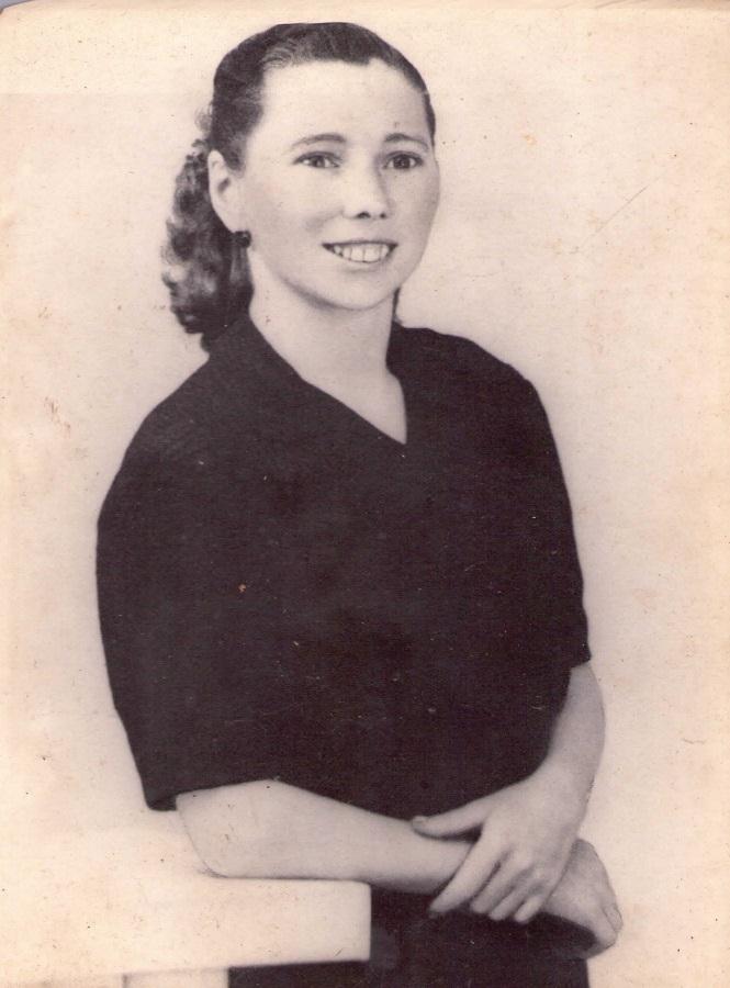 La madre del autor en 1958, el año de la emigración.