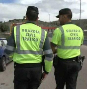 Los guardias civiles de Tráfico en la reserva pueden ser examinadores. RTVE