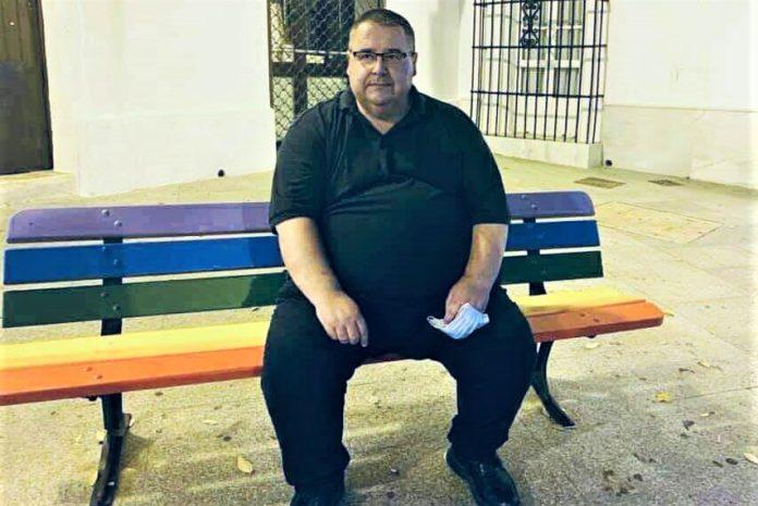 Rafael Vez, el cesado párroco de Conil, es persona de alto riesgo frente al coronavirus y el obispo lo sabe.