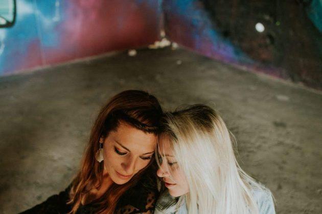 Ana y Marie. El tatuaje, como el amor, es cosa de dos. MARIE MARC