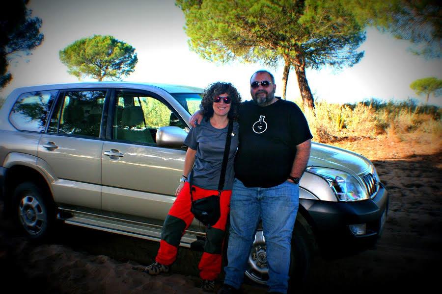 Junto a la Dra. Lorena M. Zavala (Universidad de Sevilla), durante un muestreo de suelos en el Parque Nacional de Doñana (Huelva).