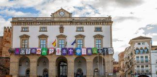 Ayuntamiento de Cáceres, los votos de cuyos concejales hay especuladores del litio que sugieren comprar. AYTO. CÁCERES