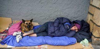 Carecer de techo es una desgracia que afecta a millares de personas en toda España. RTVE