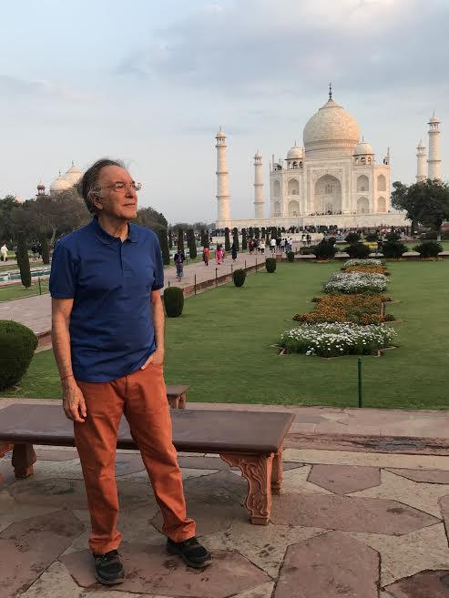 El autor, ante el Taj Mahal. BLAS CURADO