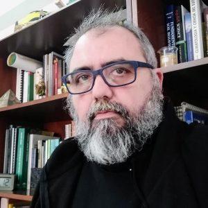 El doctor Antonio Jordán en su despacho de la Facultad de Química de la Universidad de Sevilla.