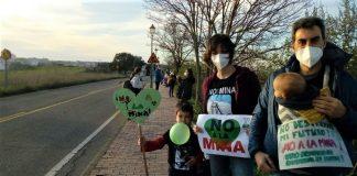 Está en juego no solo el presente, sino también el futuro que simbolizan estos niños activistas ya de lo que es justo.