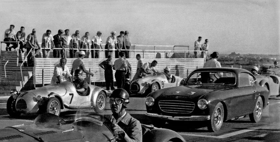 En el velódromo de Buenos Aires, 9 de marzo de 1952, con Ferrari.
