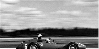 Menditeguy, compitiendo con su Maserati.