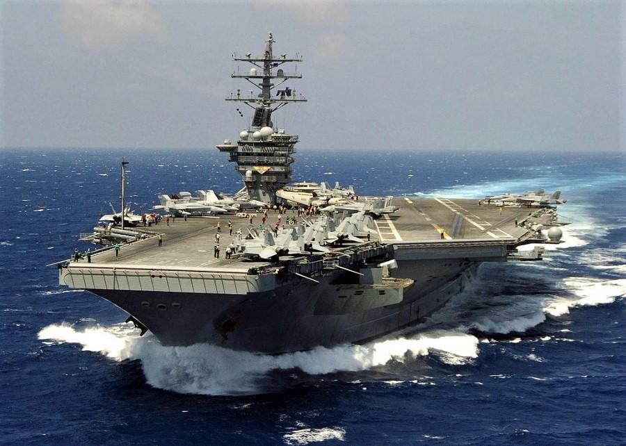 Portaviones USS Eisenhower, en las maniobras cerca de Canarias. OTAN