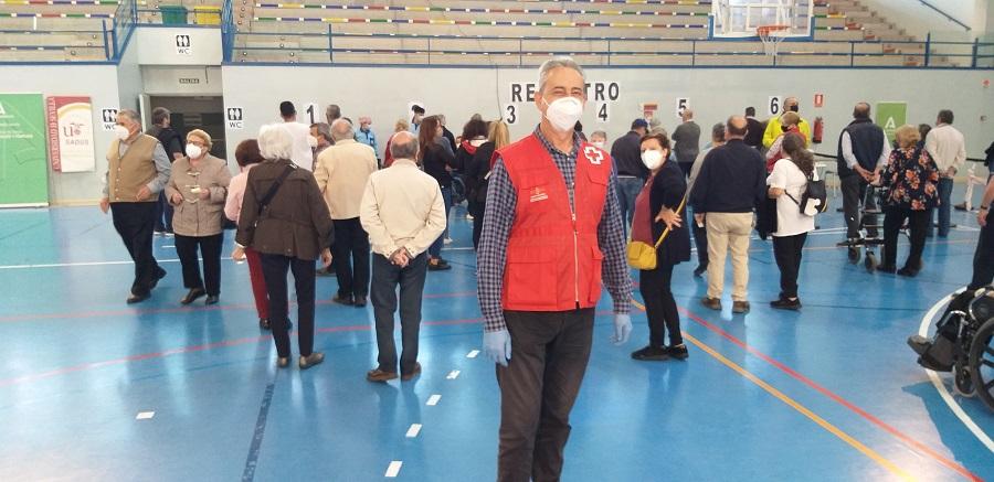 Gran labor de Cruz Roja para la fluidez de los usuarios. J.M. PAGADOR