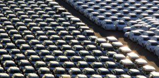 Los coches lo han invadido todo y ha llegado el momento de decir basta. J.M. PAGADOR