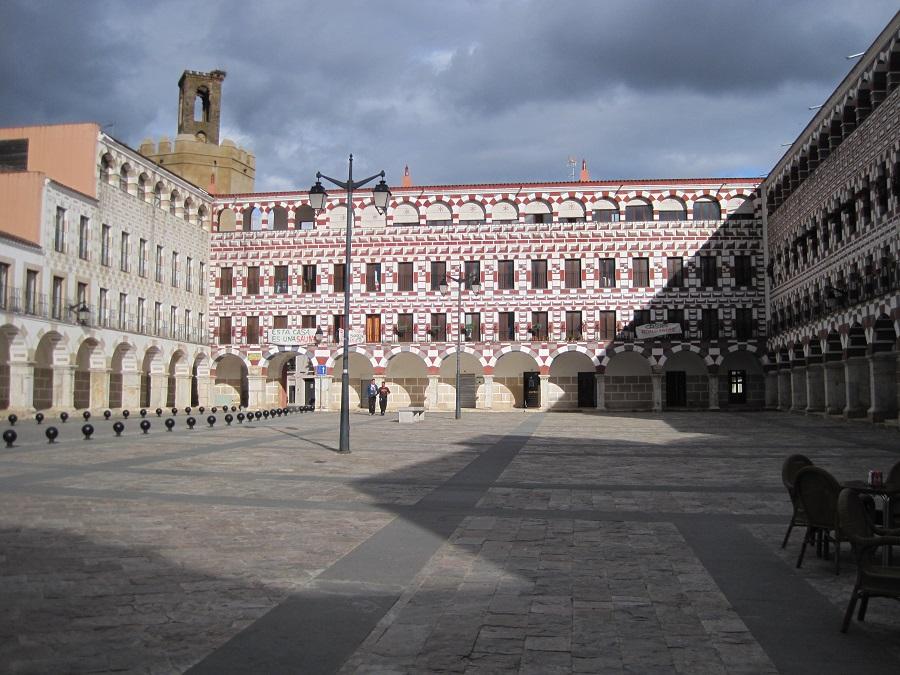 Plaza Alta, donde antes estaba el antiguo mercado de abastos, recuperada para la ciudadanía. J.M. PAGADOR