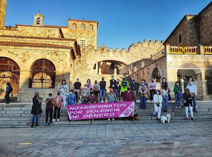 Protesta en Cáceres contra la violencia machista. ELISA BLÁZQUEZ