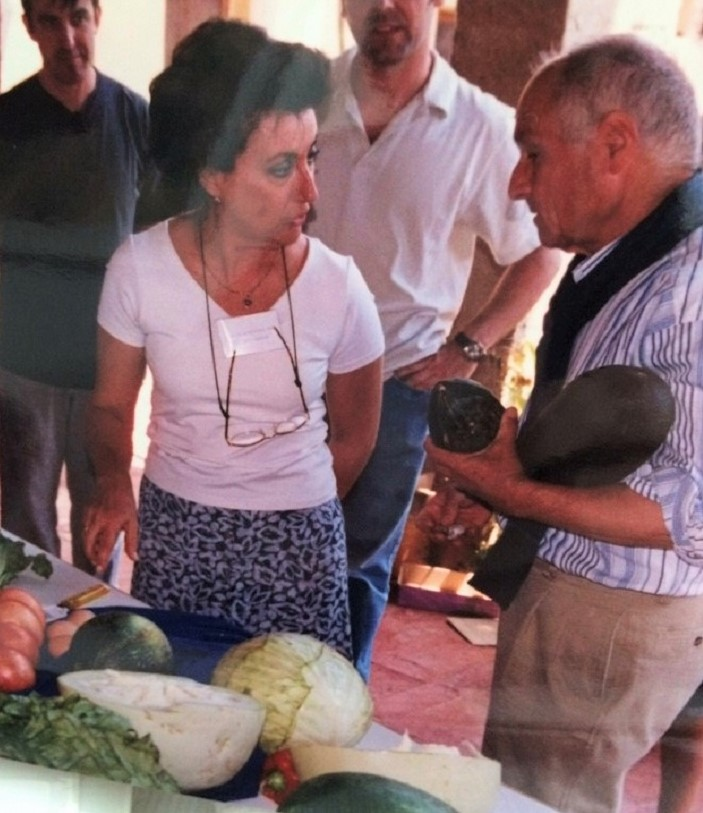 Recibiendo una clase magistral de Antonio López en Yuste.