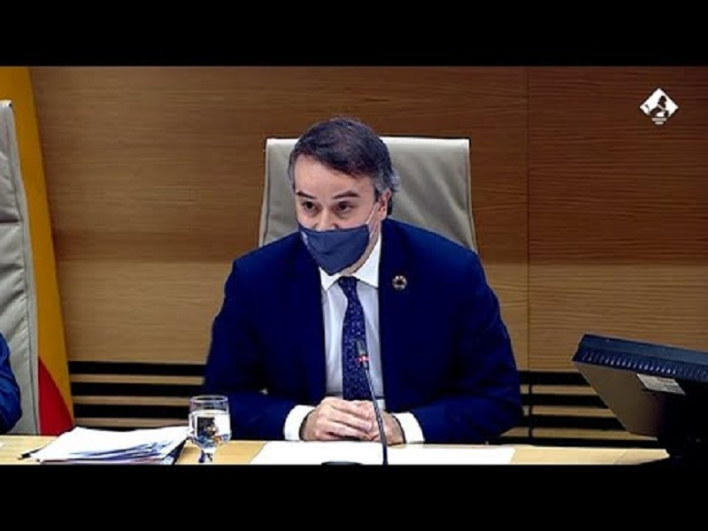 Aquí dijo que se tiraría por un barranco por Pedro Sánchez, pero ha sido el presidente el que le ha tirado a la cuneta.