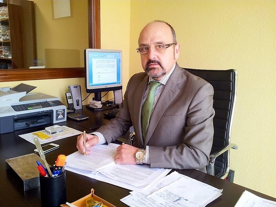 El prestigioso abogado sevillano Francisco Calle Bautista, autor de la demanda. PROPRONews