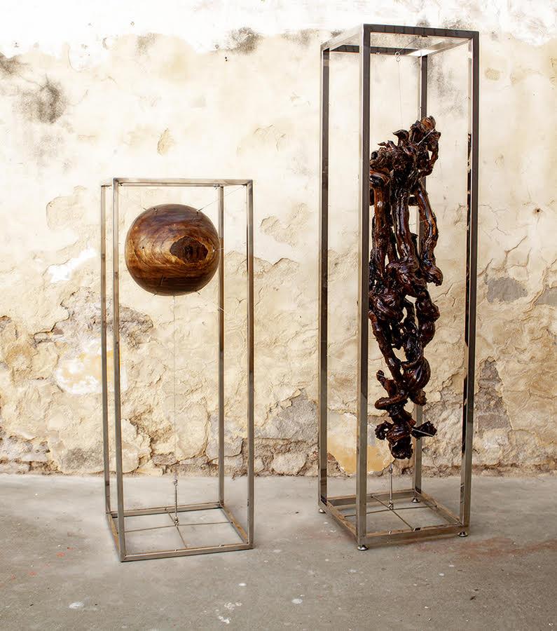 Esculturas 'il mondo' y 'BNat tótem I'. ALFONSO DONCEL