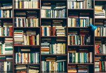 La biblioteca ocupa tres paredes... RTVE