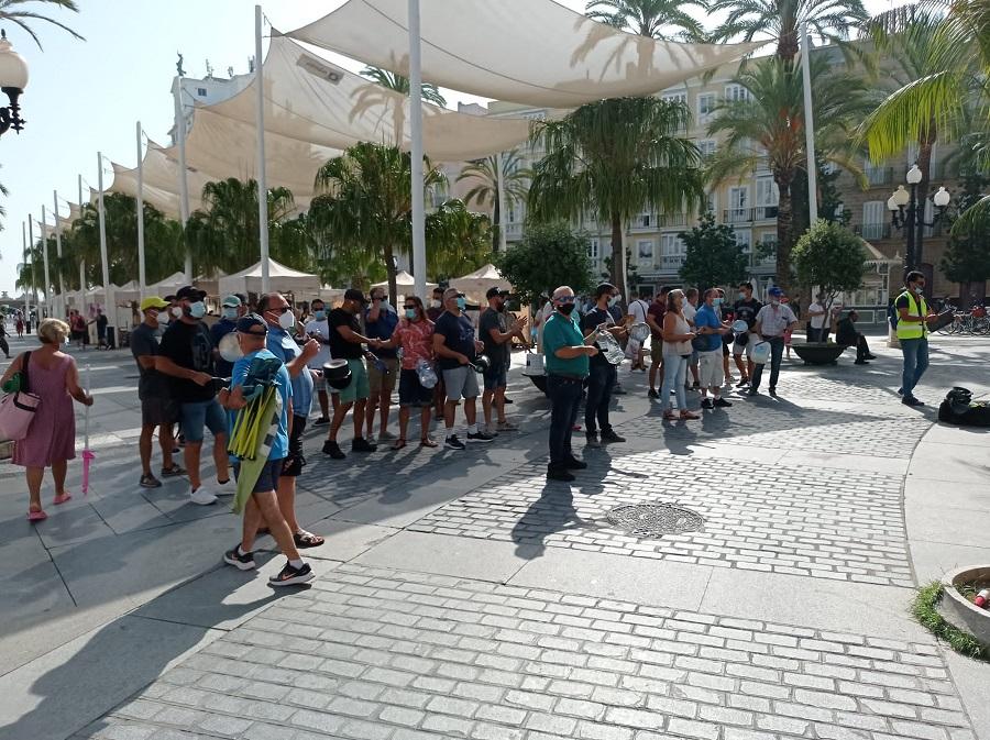 Reciente cacerolada de policías locales ante el Ayuntamiento. POLICÍA LOCAL