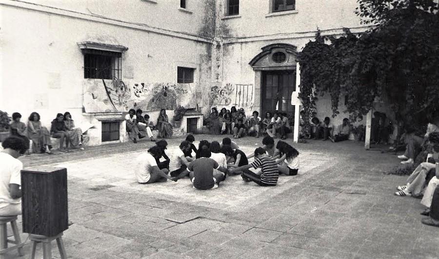 Clases de teatro de la Cátedra Torres Naharro, en la antigua Casa de la Cultura de Badajoz. ARCHIVO J.M. VILLAFAINA