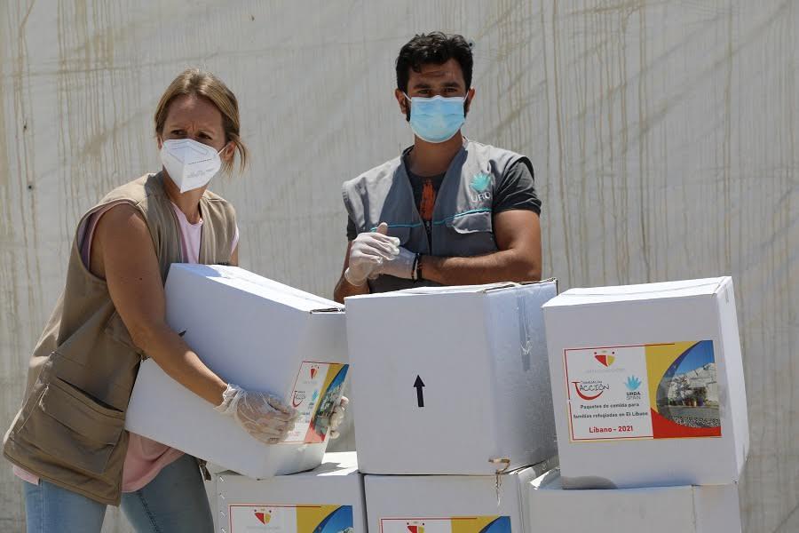Este verano han llevado más de 16 toneladas de ayuda.